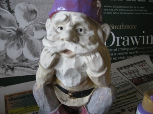 painting a gnome